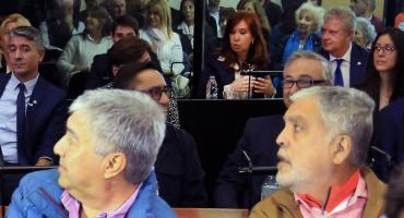 Cristina Kirchner: del fuerte operativo de seguridad a ignorar a Julio De Vido y Lázaro Báez