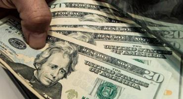 Dólar hoy: la divisa cerró a $62,75 en el Nación y el blue saltó a $66,25