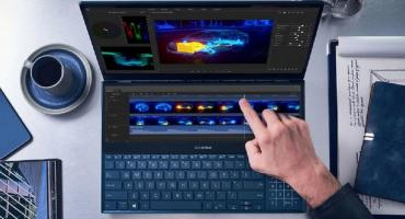 Una nueva notebook con dos pantallas para múltiples tareas