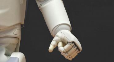 Robots ocuparán 20 millones de empleos industriales para 2030
