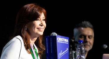 Cristina Kirchner retoma la campaña con la presentación de su libro en La Matanza
