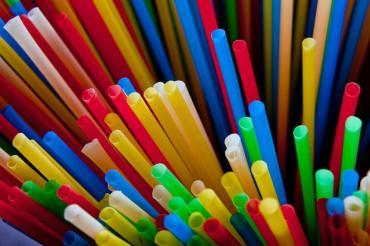 Lucha contra las pajitas de plástico: prohibidas en Washington, donde se crearon