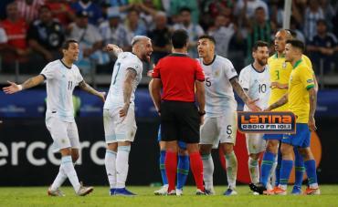 Polémico arbitraje en Argentina - Brasil: