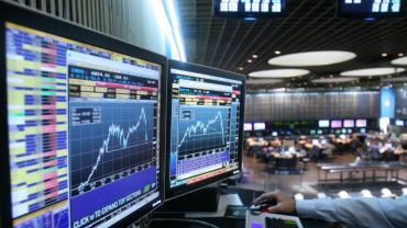 Índice S&P Merval marcó tercera suba en fila y Riesgo País se consolida sobre los 800 puntos