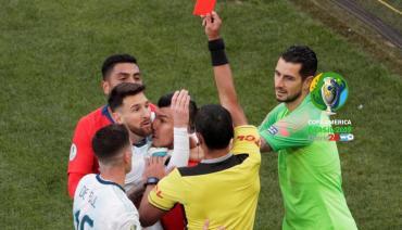 Copa América: esto dice el informe del árbitro por expulsiones de Messi y Medel