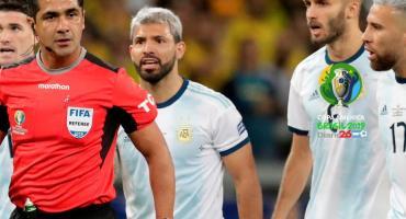 El árbitro de Brasil-Argentina, habló sobre la polémica con el VAR
