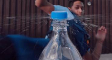 Bottle Cap Challenge: los mejores videos del reto viral del momento