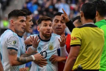 Conmebol sancionó con una fecha y una multa económica a Lionel Messi