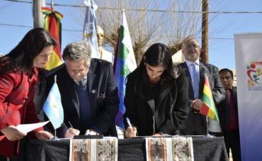 Argentina firmó con Bolivia un acuerdo en materia sanitaria