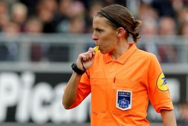 Histórico: una mujer arbitrará la final de la Supercopa de Europa