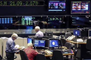 Día negro en los mercados: la bolsa porteña bajó casi 1,5% y el riesgo país volvió a subir