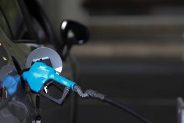 Naftas: el Gobierno analiza el fin del congelamiento y habilitaría un aumento