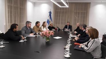 Cumbre en Olivos: Gobierno acordó formar Mesa de Acción Política con reuniones semanales