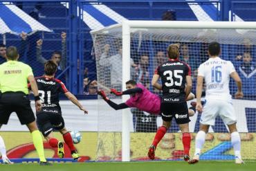 Vélez encontró su mejor nivel y goleó a Newell's por Superliga