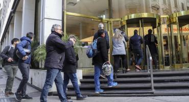 Pese a pedido del Gobierno, las tasas cobradas por los bancos siguen altas