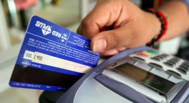 Dólar turista: compras con tarjeta realizadas antes de sanción de ley no pagarán impuesto del 30%