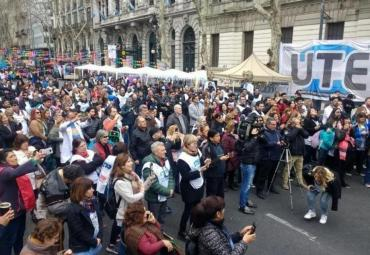 Docentes marcharon a Plaza de Mayo: