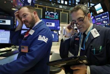 El riesgo país volvió a subir un 3,5% y se hundieron 10% los bonos argentinos