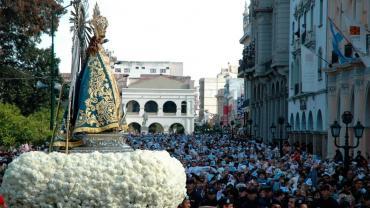 Miles de fieles participaron de la Fiesta del Señor y la Virgen del Milagro