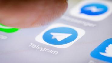 Telegram ahora permite programar mensajes y ocultar tu número