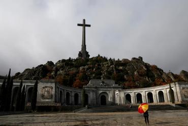 La Justicia española avaló la exhumación de restos de Franco de su monumental mausoleo