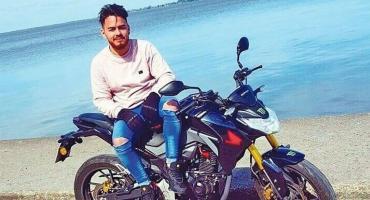 Había sido papá hace dos meses y lo mataron de una pedrada en la cabeza para robarle la moto