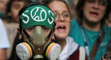 Cambio climático: miles de jóvenes y ambientalistas marcharon hacia el Congreso