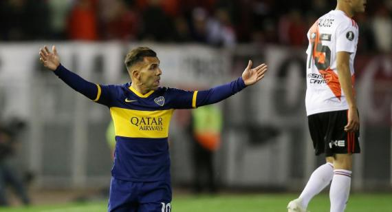 Por qué Carlos Tevez no se entrenó en Boca a poco del Superclásico