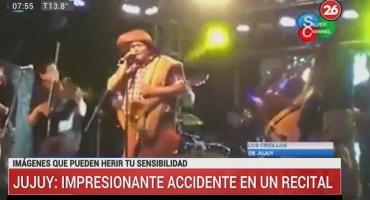 Impresionante accidente durante recital: cayeron focos de luz sobre integrantes de banda