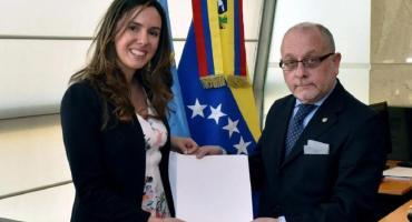Venezuela: Gobierno reconoció como única embajadora a la designada por Guaidó