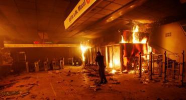 Santiago de Chile: violentas protestas contra el aumento del boleto del subte
