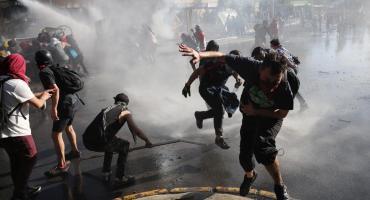 Chile: Piñera llamó a la oposición al diálogo y ya son 13 los muertos por protestas