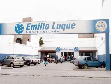 Cadena de supermercados Luque cerró sus sucursales y 1200 empleados quedaron sin trabajo