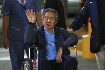 Ex presidente de Perú, Fujimori, pide en una carta ayuda para unir a sus hijos