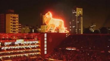 El león de fuego, la gran atracción en el nuevo estadio de Estudiantes