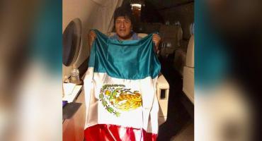 """Evo Morales dejó Bolivia y emprendió su viaje a México: """"Volveré con más fuerza y energía"""""""