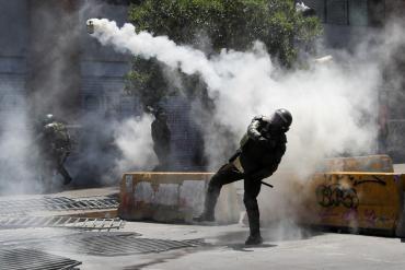 Chile bajo fuego: huelga general en protesta contra el gobierno de Sebastián Piñera
