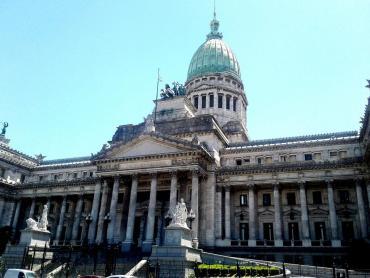Gobierno envió al Congreso proyecto de ley que reduce jubilaciones de jueces y diplomáticos