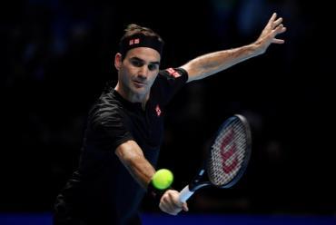 Federer, en semis del ATP Finals: venció a Djokovic, lo eliminó y favoreció a Nadal