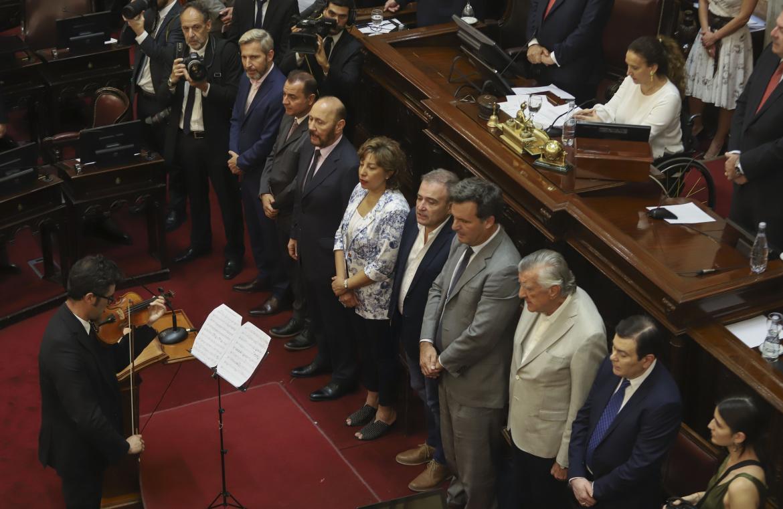 Jura de los nuevos legisladores en la cámara alta, NA