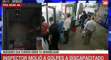 Salvaje golpiza de un inspector de colectivos a un joven discapacitado