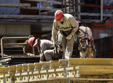 INDEC: la construcción cayó 12,9% en julio, la más baja desde el inicio de la pandemia