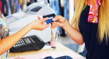 Advierten que el consumo acumuló una baja de 10,8% en el último año