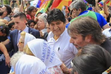 Evo Morales participó de la ronda de las Madres en Plaza de Mayo