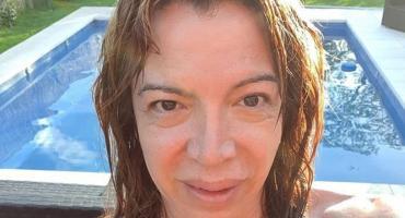 Lizy Tagliani, diversión pura con sus amigos en la pileta a lo Mónica Gonzaga en los '80