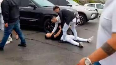 Video: salvaje ataque de un patovica a un chico en un boliche de Mar del Plata
