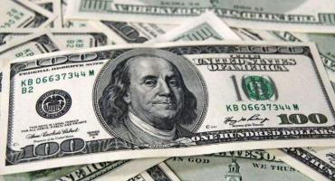 El dólar se dispara en el mercado paralelo: fuera del país se pagó hasta $84