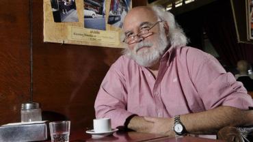 Juan Sasturain, nuevo director de la Biblioteca Nacional