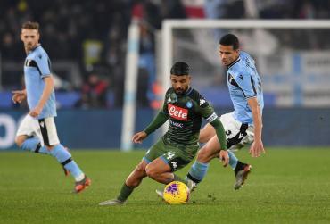 Lazio festejó en el final y amargó al Napoli que no levanta cabeza