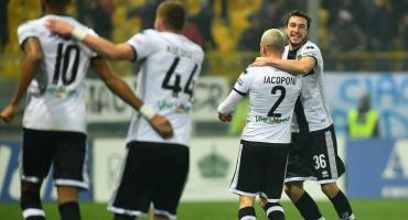 Parma venció a Lecce y avanzó en la Liga italiana de fútbol